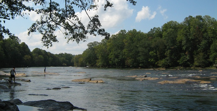 The Chattahoochee River is one of three rivers that make up the Apalachicola-Chattahoochee-Flint River Basin. Photo by Mike Gonzalez, courtesy of Wikimedia Commons.