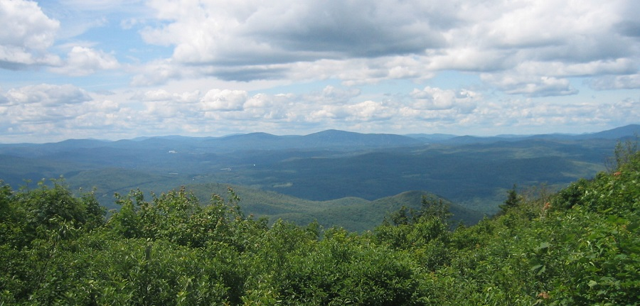 A view from an overlook on Mount Ascutney, where researchers began studying acid rain's impacts on high-elevation red spruce forests in 1987. Photo by Johnny Boggs, U.S. Forest Service.